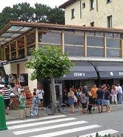 Cafe-pub tinos