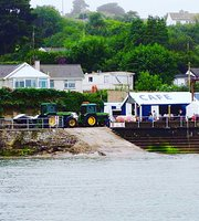 Mickey's Boatyard & Beach Cafe