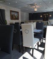 restaurants pr s de au bureau au rue andre citroen. Black Bedroom Furniture Sets. Home Design Ideas