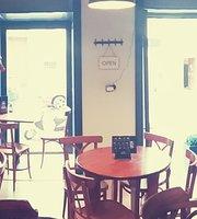M&M cafe bar