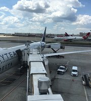 Delta Sky Club - Concourse F