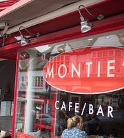 Monties Cafe & Guesthouse