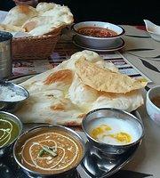 Indian Nepalese Restaurant Asha Minakuchi