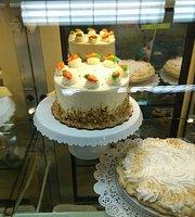 Karl's Bakery & Cafe
