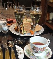 Low Tea at The Luggage Room