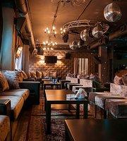 Bar & Karaoke Plehanov