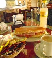 Los Naranjos Cafe