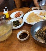 Yeonggwang Jeong Buckwheat Noodles