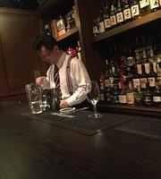 Bar High Five