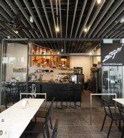 Zzapi Bistro & Bar