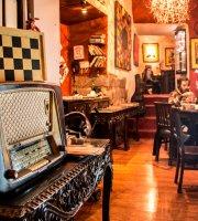 Tinta Restaurante Cultural y Galeria de Arte