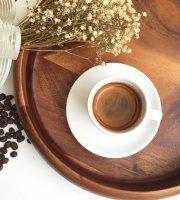 Strada Coffee & Cafe