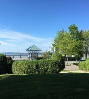 Auberge-L'etoile-Sur-Le Lac