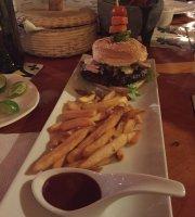 Carbon y Vino Steakhouse