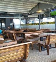 Traffic Cafe & Bar