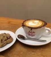 Folie À Deux - Café & Bistrô