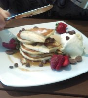 Rogue Carriage Cafe/Restaurant