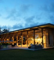Aura Lounge & Bar Lombok