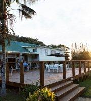 Castaway Restaurant and Bar