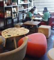 Puzzle Gourmet Store & Café
