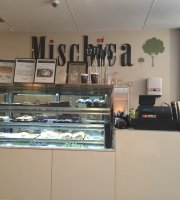 Mischica Cafe