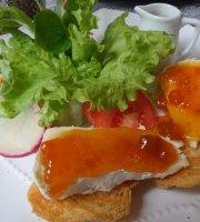 Cafe Bistro Calixto