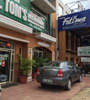 Toms Hotel Restaurant