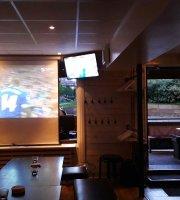Foxes Sportsbar & Restaurant