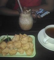 Eatorland Cafe & Resto
