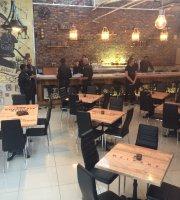 TRE Steampunkclub Restaurant and Bar