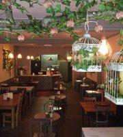 Panaro's Cafe, Bar