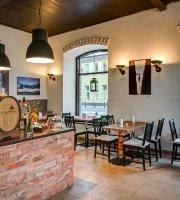 Po Prostu Cafe & Restaurant