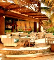 Mandarina Restaurant & Beach club by Casa Las Tortugas