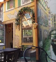 Piazza Navona Art Gallery & Cafe