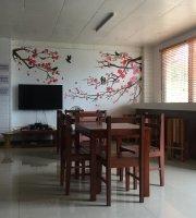 Amos Hugot Cafe