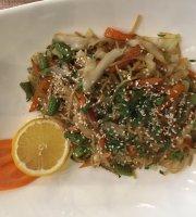مطعم أربيل للمأكولات الشرقية :Arbil Orientalische Speisen Munich . Germany  Veggie-noodles