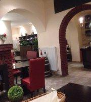 Restaurant Chalet - Spezialitaten Von Fondue Und Heissem Stein
