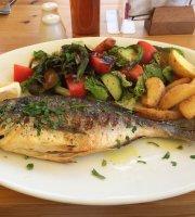 Skouna Beach Bar and Diner