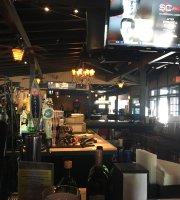 Castaways Bar Grill
