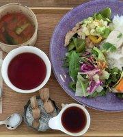 Ma-Ku Cafe.