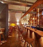UNIKUM Bar+Lounge