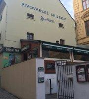 Muzeum Senk Na Parkanu Pub
