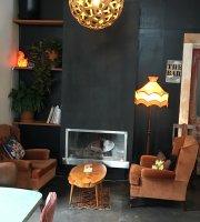 Lahar Cafe