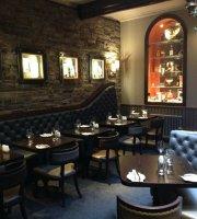 Cronies Restaurant & Bar