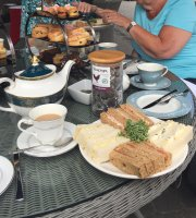 White Horse Romsey Afternoon Tea
