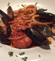 Spacco Billiard Bar & Eatery