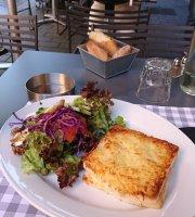 Le Donjon Cafe