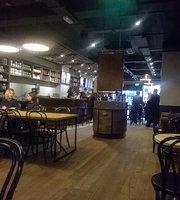 Starbucks Great Victoria Street