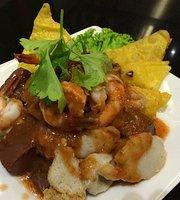 Mae Sri Reun Chicken Noodle