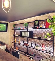 El Cuarto Hostel Bar